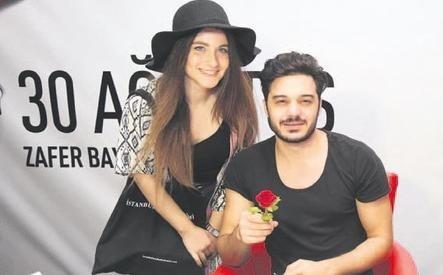 Ilyas Yalcintas In Elcin Sangu Hayranligi Temiz Magazin
