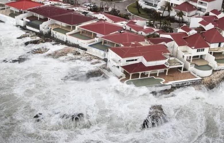 İrma adı verilen kasırga bugün Florida'yı etkisi altına aldı.  Kasırgada yaşam savaşı veren Türkiye'den 3 ünlü kim?
