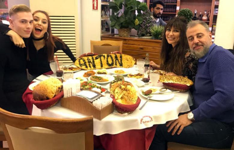 Zeynep Alkan'ın sevgilisi Türkiye'ye geldi! Yabancı damada kebap ziyafeti