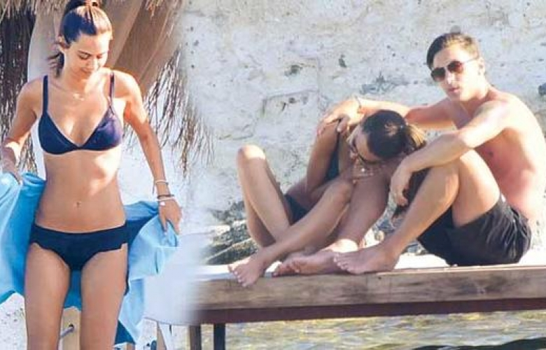 Mesut Özil ve Amine Gülşe moral tatilinde