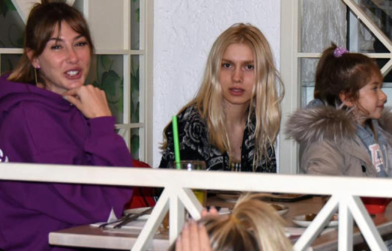 Melisa, Aleyna Tilki ile tanıştı. Aleyna Tilki, Şeyma Ilıcalı'nın cafesinde