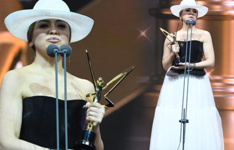 Altın Kelebek'in en çok eleştirilen kıyafetinin fiyatı dudak uçuklattı! İşte Hadise'nin kıyafetinin konuşturan ücreti!