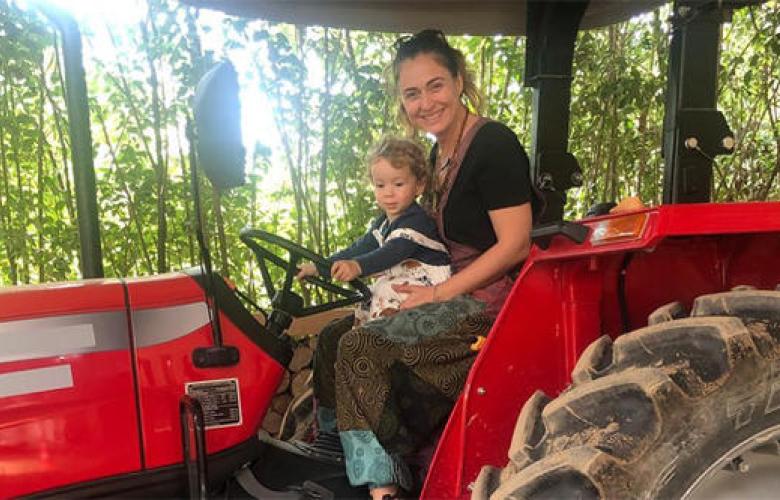 Ceyda Düvenci doğa sevgisini çocuklarına aşılıyor!
