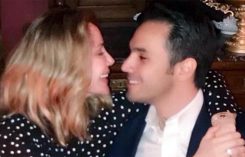 """Demet Şener'den Cenk Küpeli'ye """"Hep böyle aşkla bakalım birbirimize!"""""""