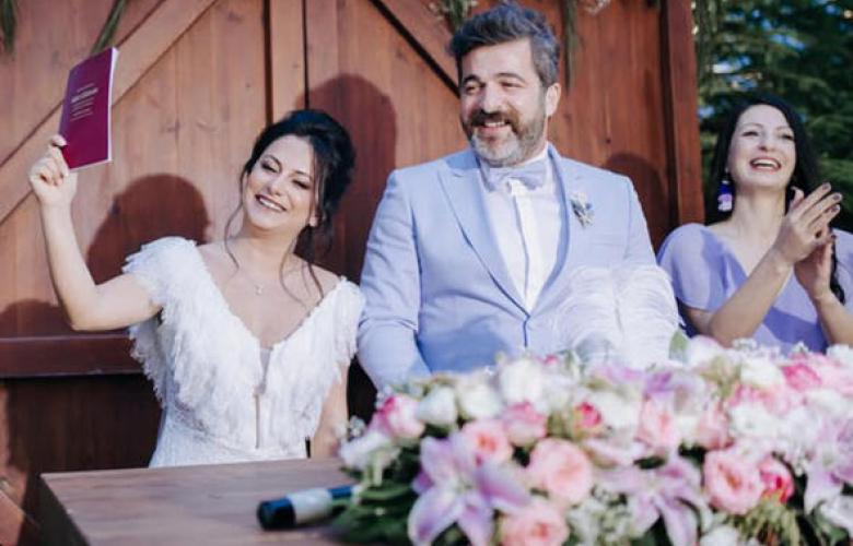 Ünlü oyuncu dün nikah masasına oturdu!