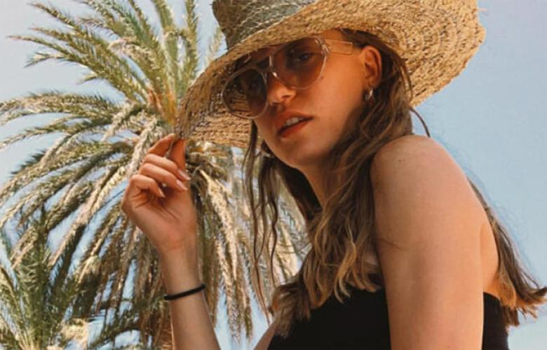 Serenay Sarıkaya'dan yaz pozu