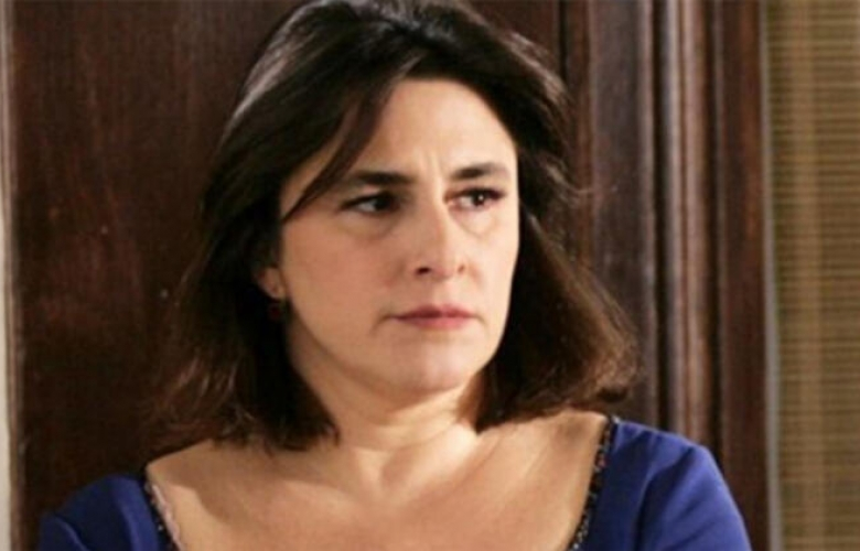 """Esra Dermancıoğlu sitem etti: """"Başrolleri genç kadınlara veriyorlar!"""""""