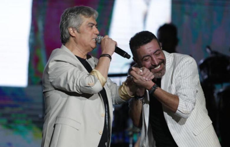 Cengiz Kurtoğlu ve Hakan Altun, ikinci kez Harbiye'de hayranlarıyla buluştu