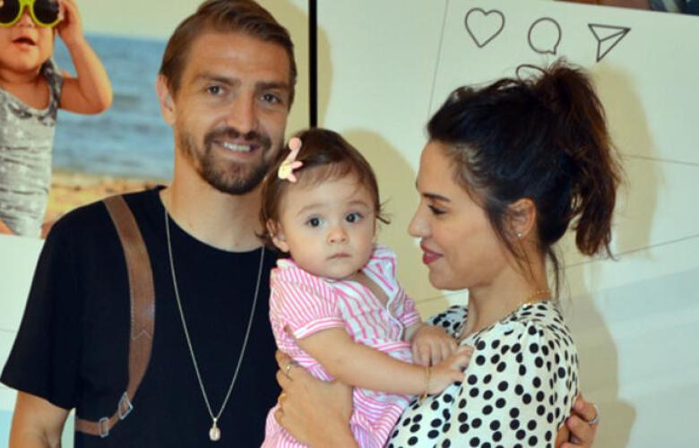 Caner Erkin ile Şükran Ovalı'nın mutlu aile tablosu