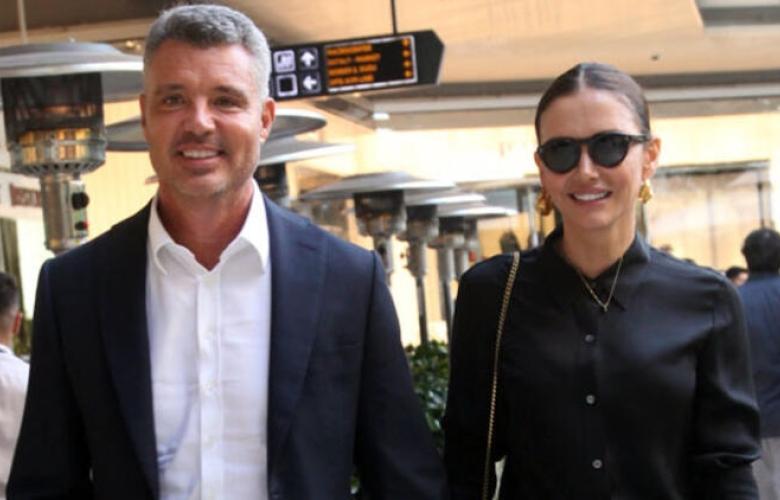 Sadettin Saran ve Emina Jahovic'in yüzleri gülüyor