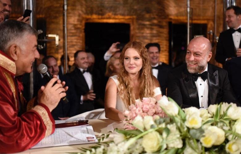 Esma Sultan'da görkemli düğün... Naz Elmas ile Erol Özmandıracı evlendi!