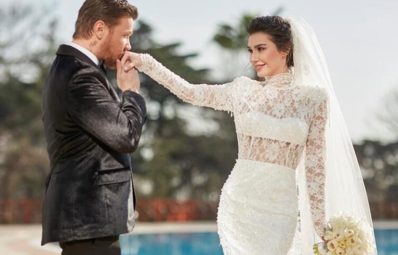 """Sinan Akçıl kimsenin düğün yapamadığı dönemde düğün yaptı, eleştirenlere de """"kötü niyetli kişiler"""" dedi!"""