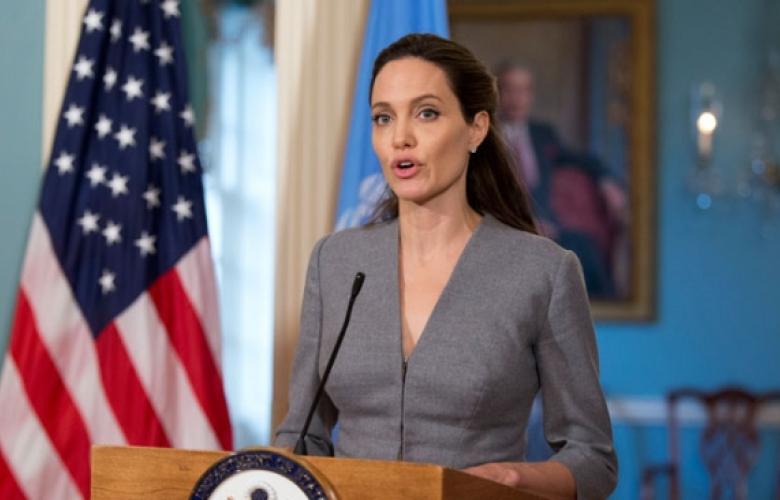 """Angelina Jolie, iftar programında konuştu! Konuşmasına """"Selamun aleyküm"""" diyerek başladı."""