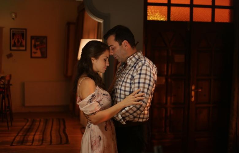 """Aslı Tandoğan ve Emre Karayel'den hızla tükenen aşklara inat, ömürlük bir aşkın filmi! """"Söz Vermiştin"""" 15 Kasım'da sinemalarda"""