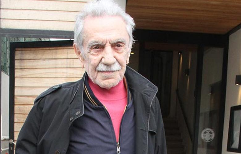 Aydemir Akbaş: Bugünkü sanatçılarla tuvalete gitmem 81