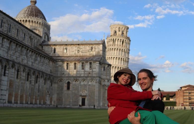 Aydilge İtalya'da aşk tazeledi