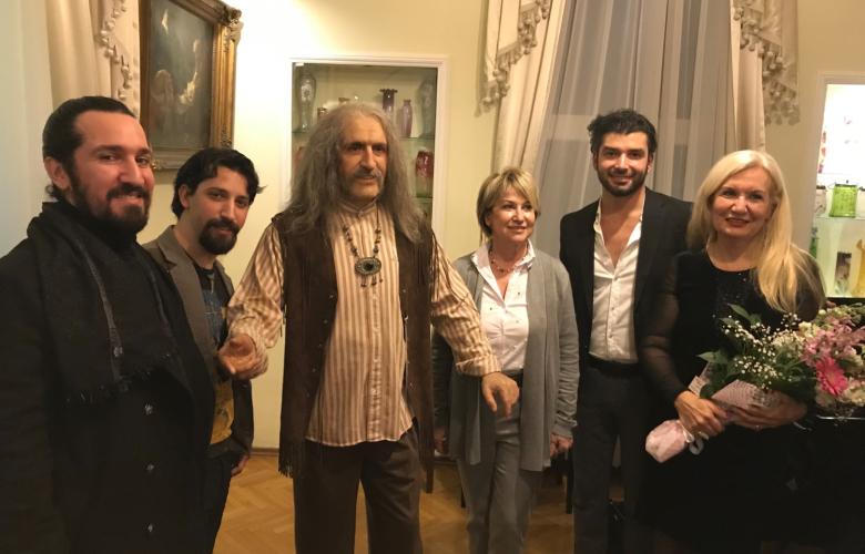 Barış Manço evinde piyanosu başında anıldı...