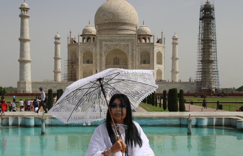 """İşte çok özel fotoğraflar! """"Diva"""" Dünya Güzellerim'de Taç Mahal'de!"""