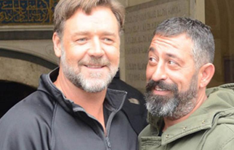 Russell Crowe'dan Cem Yılmaz'a övgü!