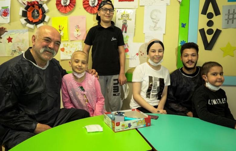 """""""Çukur""""un oyuncuları kanser tedavisi gören çocuklarla bir araya geldiler"""