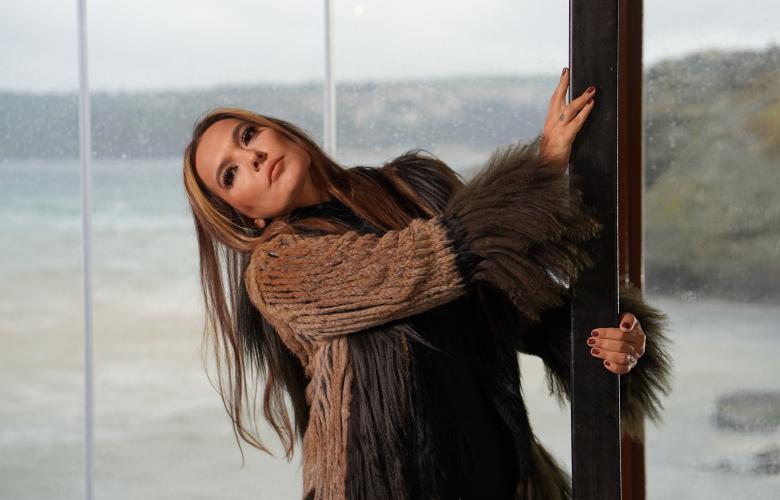 """Demet Akalın feat Haktan """"Yekten"""" kliplendi…"""