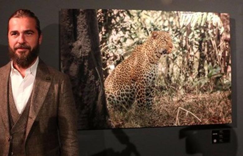 """Engin Altan Düzyatan """"Sen De Tanık Ol"""" adlı sergi açtı! Üç gün beklenen """"leopar"""" serginin ilk gününde satıldı"""