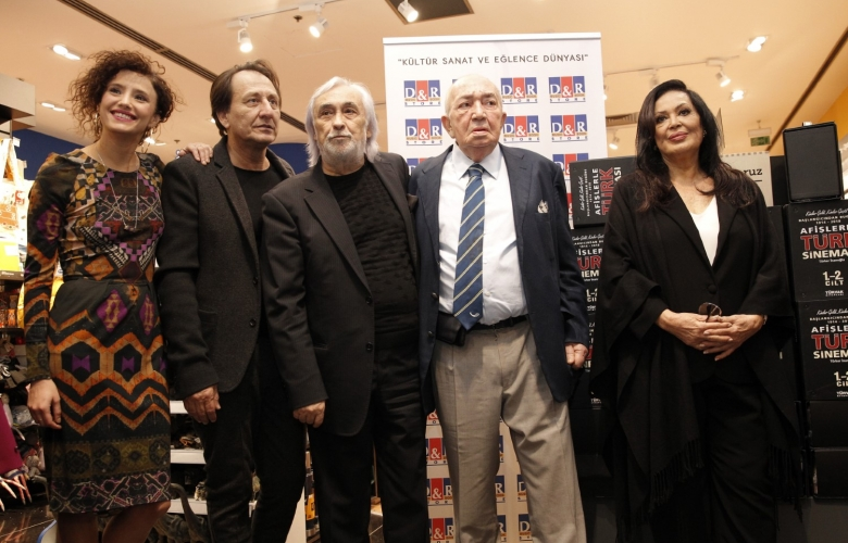 Türker İnanoğlu'ndan afişlerle Türk sineması kitabı