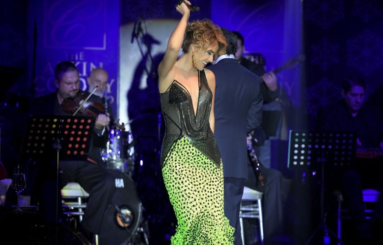 Gülben Ergen yeni yıla Kıbrıs'da sahnede girdi