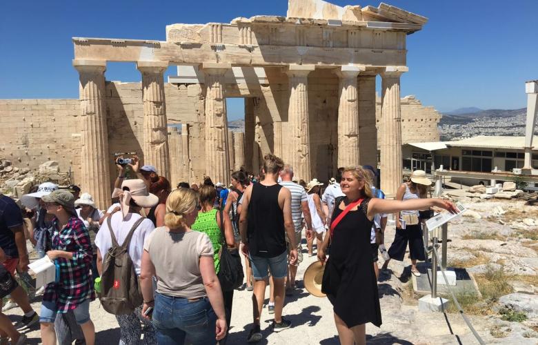 "Sihirli Yunanistan kenti Atina'dan, bir Bodrum masalına. Gurmerella ""Atina"" ve ""Bodrum""dan yazdı."