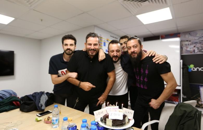 Anatolium AVM konseri öncesi sürpriz doğum günü
