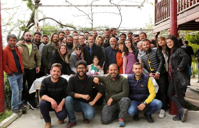 Kalk Gidelim ailesinden Ufuk Özkan'a doğum günü sürprizi