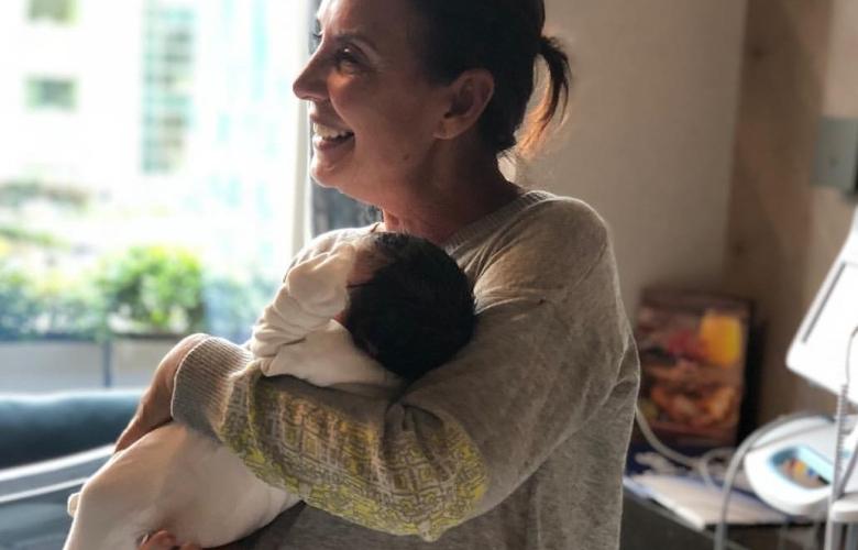 Perihan Savaş'ın torun mutluluğu. 3. kez Anneanne oldu. Gözler hastanede İbrahim Tatlıses'i aradı