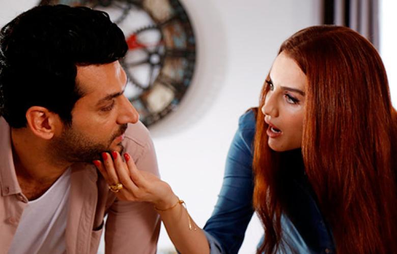 Murat Yıldırım ve İmane Elbani çiftinden hayranlarına sürpriz!