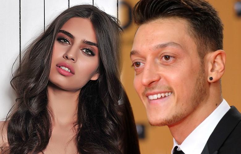 Şimdilerde Amine Gülşe ile aşk yaşayan ünlü futbolcu Mesut Özil, çocukluk dramını anlattı...