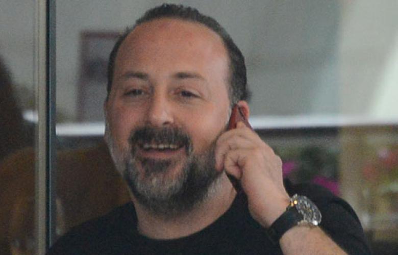 Tolga Çevik'in elinden telefon düşmedi