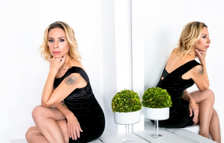 """Zeynep Casalini'den yeni şarkı: """"BEN BÖYLE"""""""